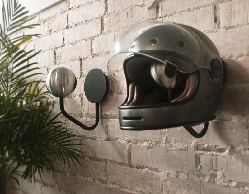 HALLEY WALL HELMET RACK